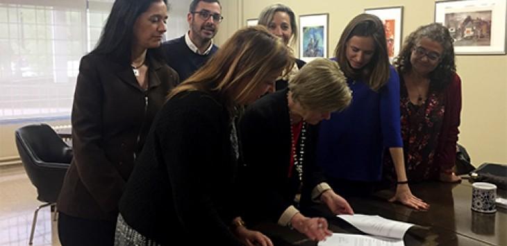 Signatura del conveni de col·laboració entre la UAB i la SCAF per la implementació del Màster en Dret de Família